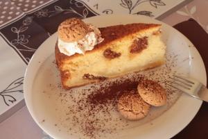 Amarettini Cake